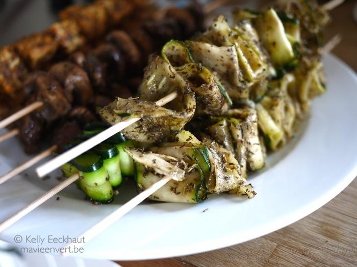 vegetarische-barbecue-gemarineerde-courgettes-courgettelinten