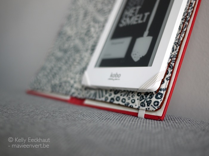 e-reader-book-cover-upcycling